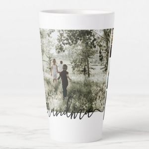Personalized mugs will be lovely gifts for your boyfriend's mom